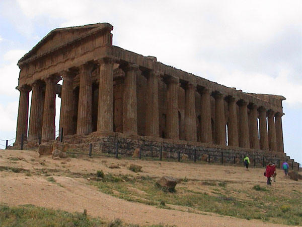 agrigento single men Trip report: three weeks in sicily - sicily forum europe we had a brief chat with two men who turned out to be agrigento was a large greek.